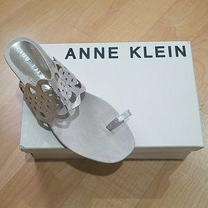 Anne Klein Akimma Sandals Light Gold NWT